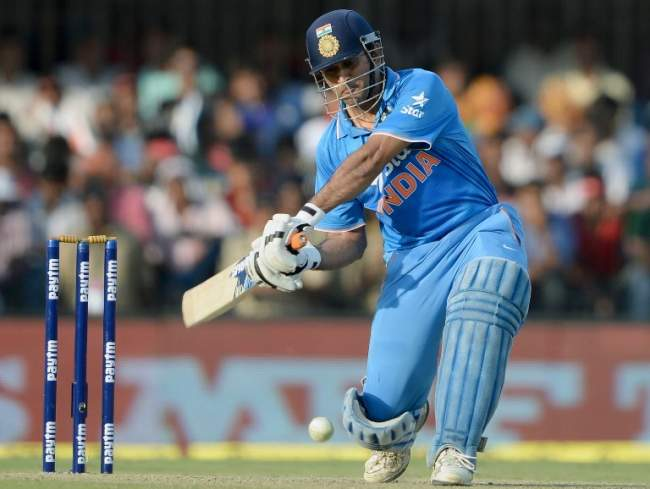 Ind vs SA (ODI 2): Under-fire Dhoni scripts an unlikely win