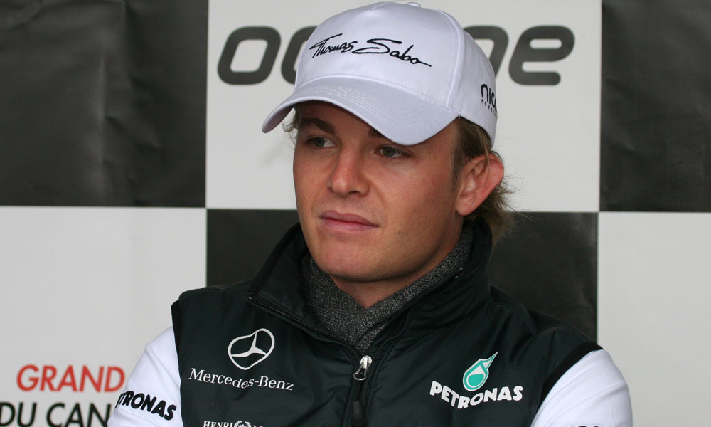 F1 China 2016 Qualification: Nico Rosberg grabs his first pole position of the season