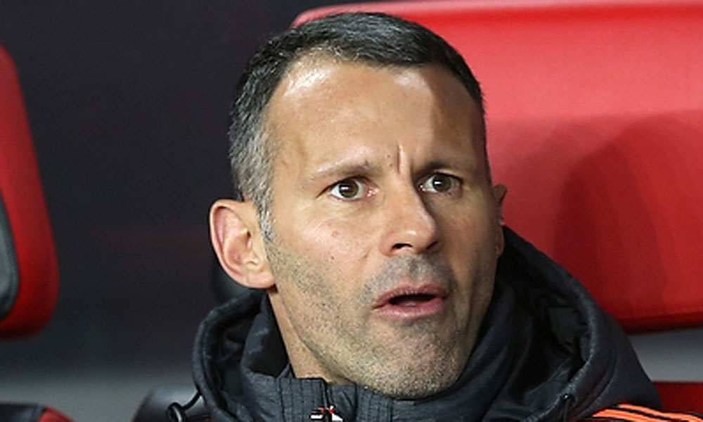 Will Ryan Giggs turn down Jose Mourinho's offer and leave Manchester United?